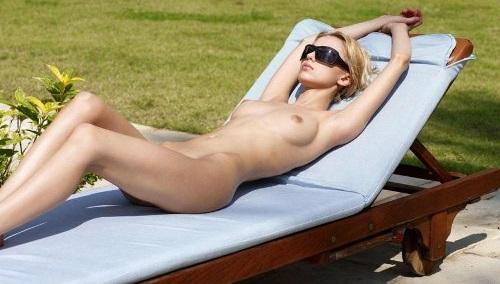 PornoMix: Desnudas si, pero con las gafas puestas