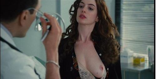 Anne Hathaway al desnudo