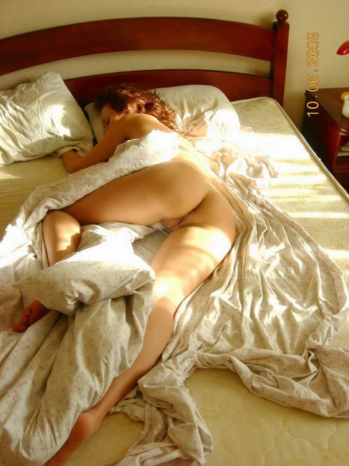 Posando Desnuda Por Toda La Casa