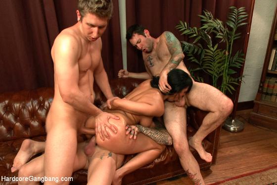 Un sexo en grupo con pantimedias calientes