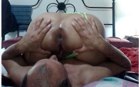 Su esposa con su ano 69